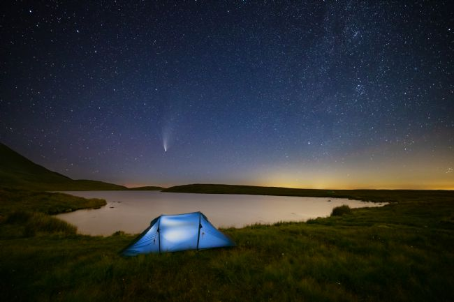 Dan Santillo | Comet NEOWISE at Llyn y Fan Fawr, Brecon Beacons
