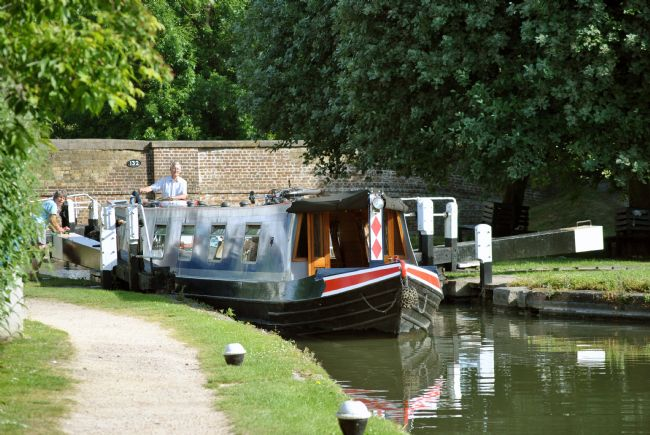 Graham Carnduff-Youngg | Narrowboat at Marsworth Lock