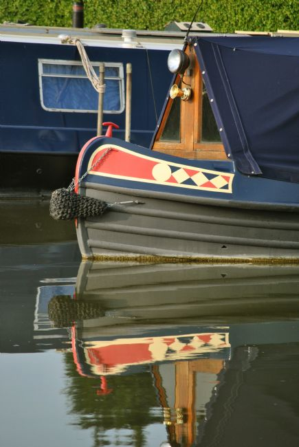 Graham Carnduff-Youngg | Narrowboat Reflection