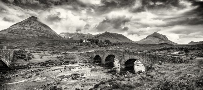Phill Thornton | Red Cuillin mountain range and Sligachan old bridge.