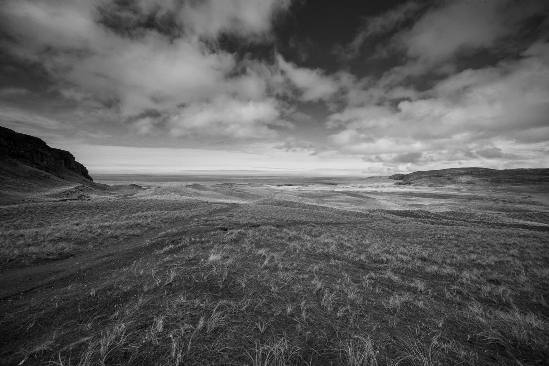 Tom Dolezal | Sandwood Bay vista - mono