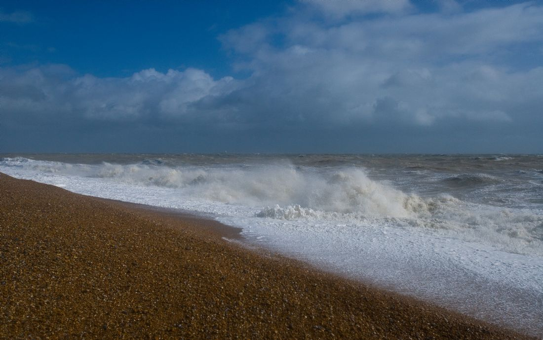 Tom Dolezal | Stormy Dungeness sea