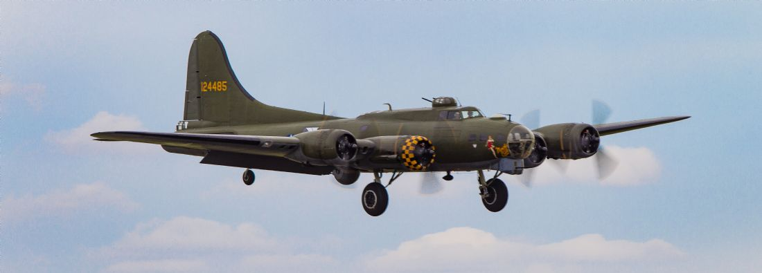 Tom Dolezal | B17 landing approach
