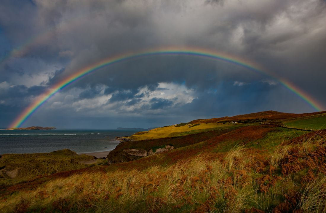 Tom Dolezal | Rainbow over the sea