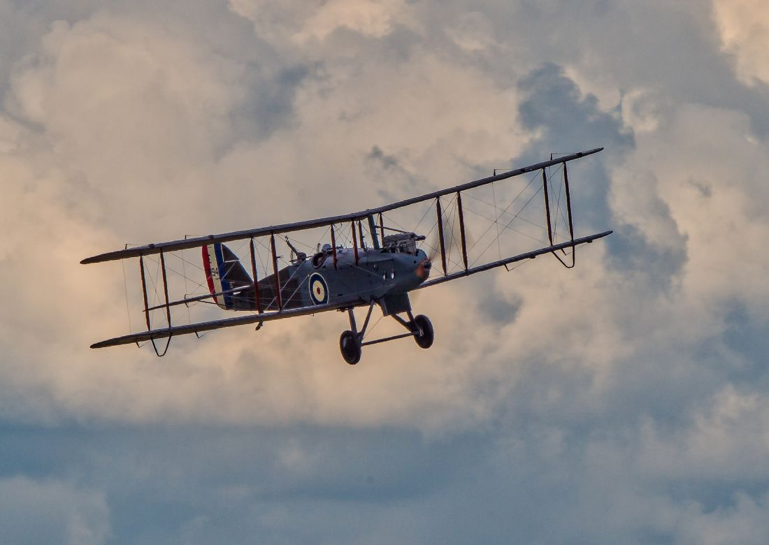 Tom Dolezal | DH9 in the clouds