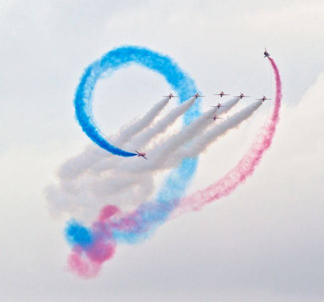 Tom Dolezal | Red Arrows formation display