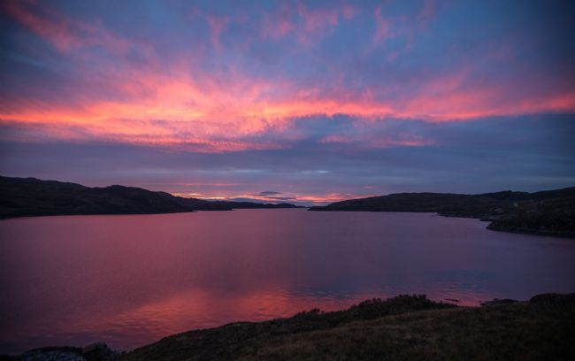 Tom Dolezal | Highland sunset at Loch Cairnbawn