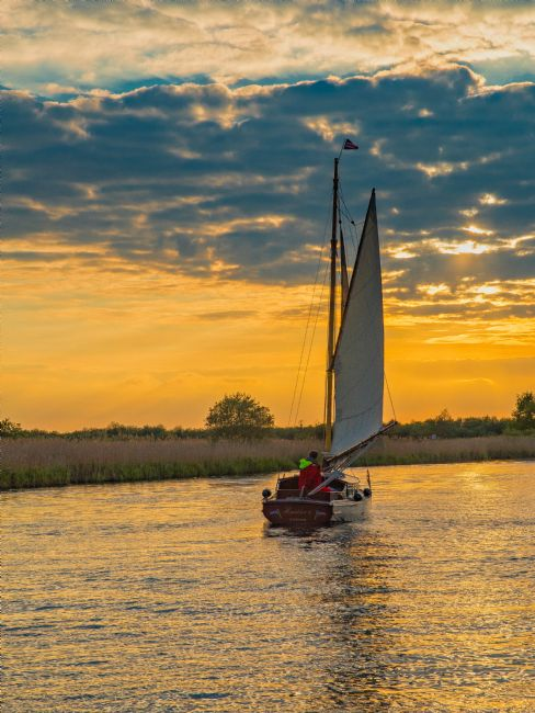 Tom Dolezal | Sailing into the sunset