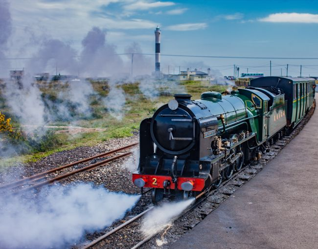 Tom Dolezal | Steam train at Dungeness