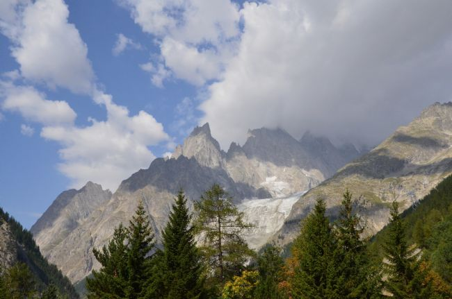 Andrew Heaps | Sunny day looking to Mont Blanc looking from Italy
