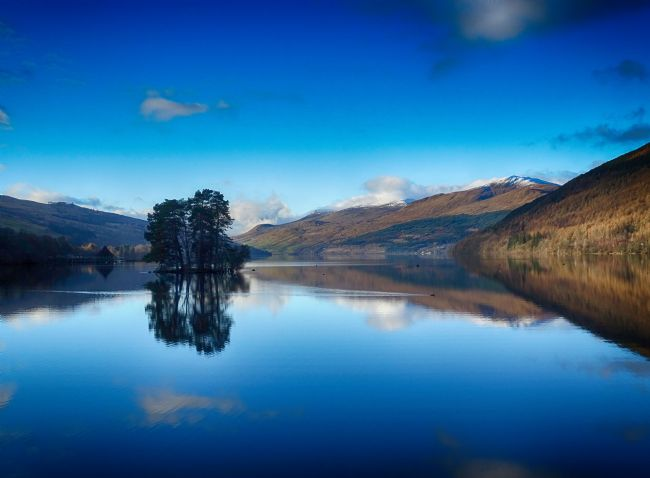 yvonne carroll | 			Loch Tay winter reflections