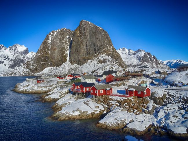 yvonne carroll | Hamnoy in winter Lofoten Islands