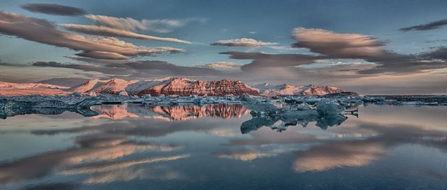yvonne carroll | Jokulsarlon glacier lagoon with pristine conditions Iceland