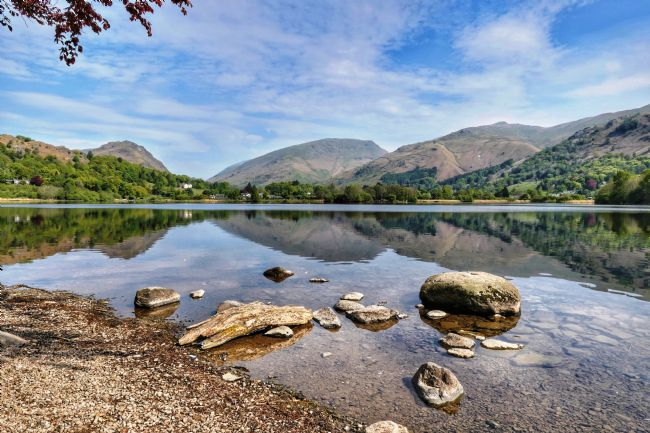 yvonne carroll | Picture perfect reflections on Grasmere Lake