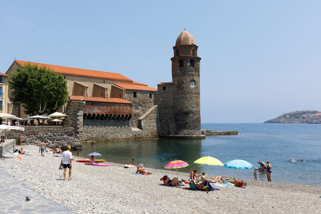 Roger Hollingsworth | Collioure beach and harbour.