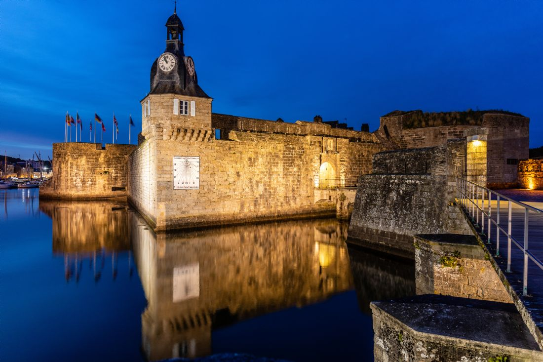 Roger Hollingsworth | Concarneau Harbour Fortress - night