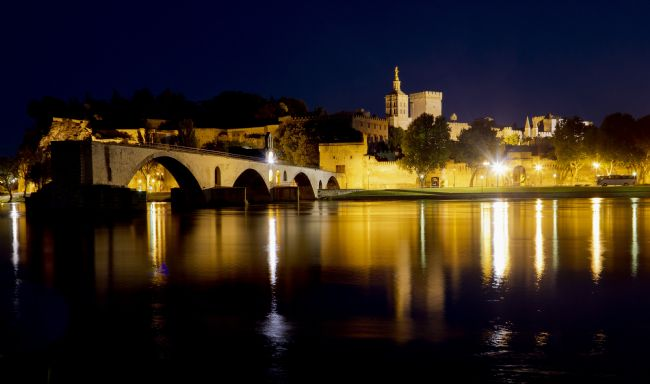 Roger Hollingsworth | Sur le pont d'Avignon, France