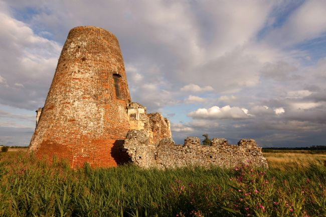 Roger Hollingsworth | St Benet's Abbey