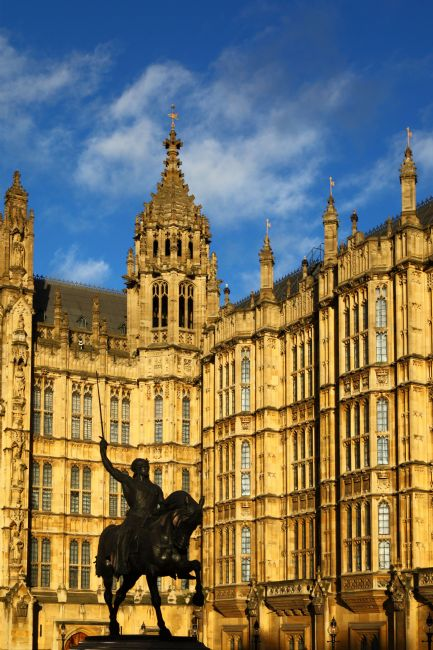 James Brunker | King Richard I Statue and Palace of Westminster