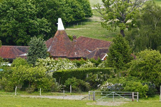 James Brunker | Summer Oast House near Southborough Kent