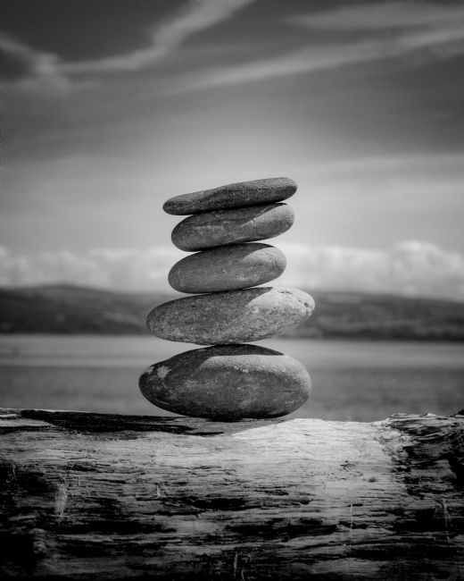 Kris Sadler | Balanced rocks Noir