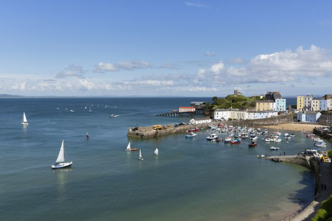 Rachel Mullett | Spectacular Tenby Harbour with sailing boats