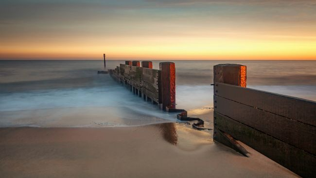 David Powley | Dawn on Cart Gap Beach Norfolk