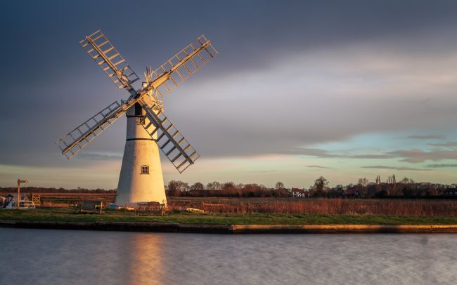 David Powley | Early Light on Thurne Mill