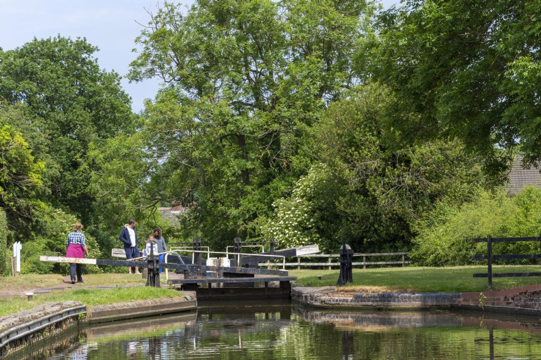Steve Stamford | Busy day at the lock