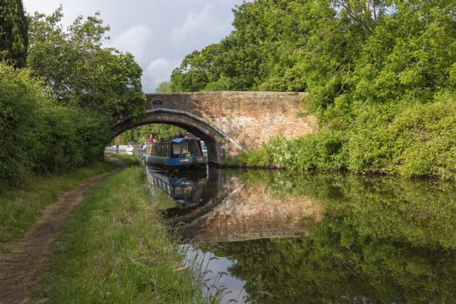 Steve Stamford | Narrowboat at bridge 85