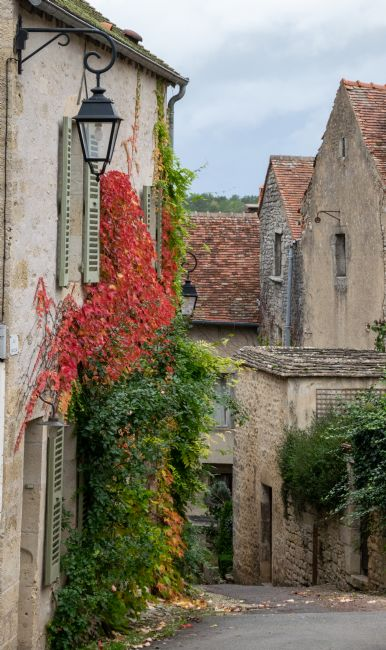 Hannah Temple | Rural French Alleyways