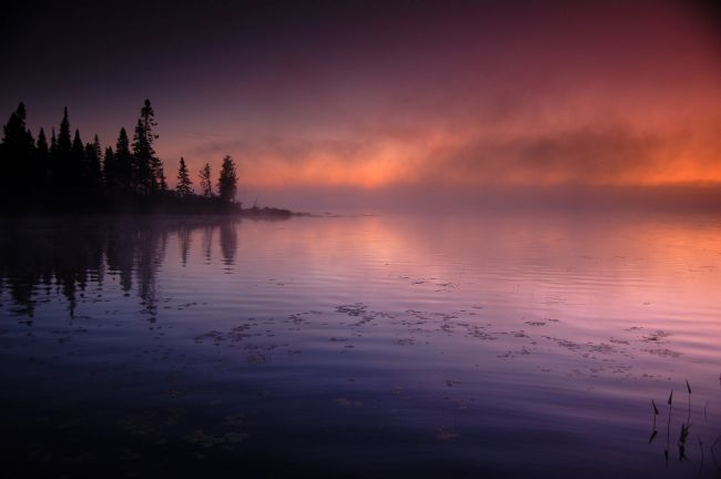 Roger Simmons | Autumn Sunrise On Deer Lake