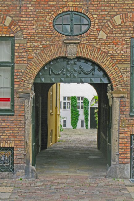 Chris Langley | A Confused Brick Portal, Copenhagen, Denmark