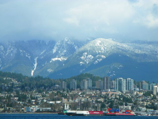 Chris Langley | North Vancouver Shoreline and the North Shore Mountains