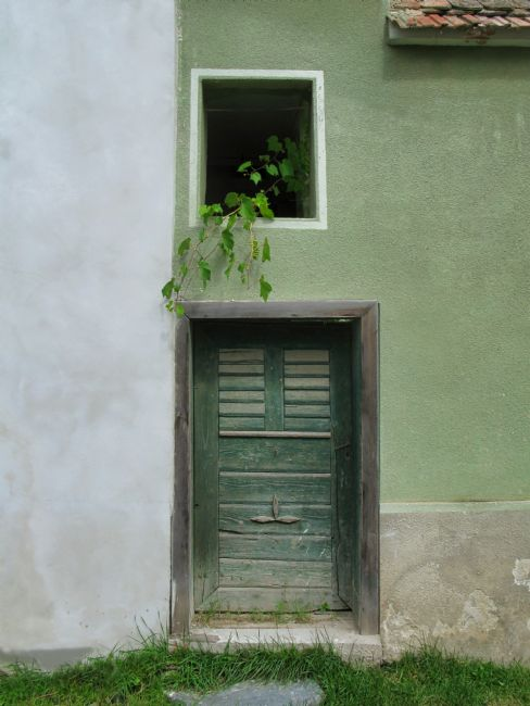 Chris Langley | Door, Sebesu de Jos, Transylvania, Romania 2