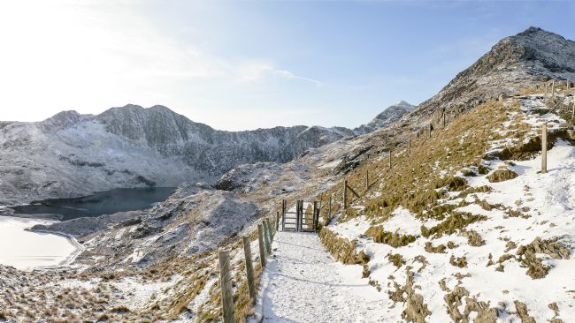 Andrew King | Snowdon on a Crisp Day