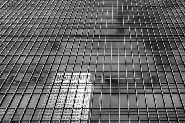 Andrew King | 1 Canada Square reflected in 25 Bank Street