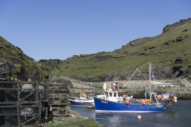 anthony hart | Fishing Boat in Boscastle Harbour