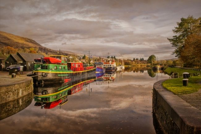 Linsey Williams | Caledonian canalc at Banavie Scotland