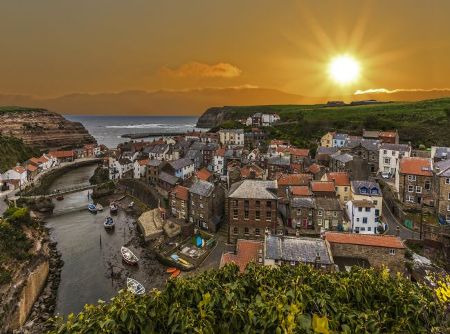 Sandra Cockayne | Staithes Sunrise
