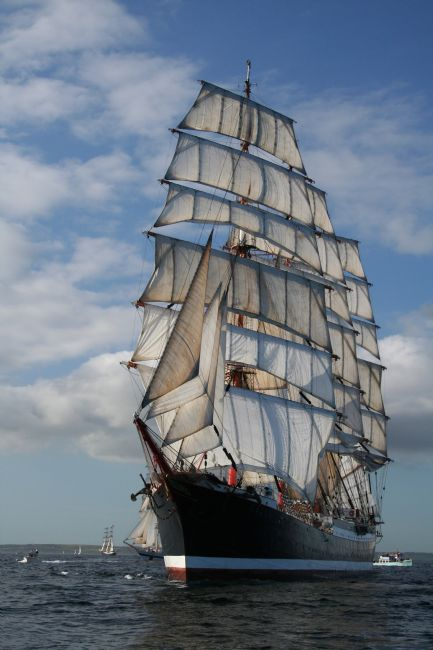 Elvia Worrall | Tall Ship STS Sedov