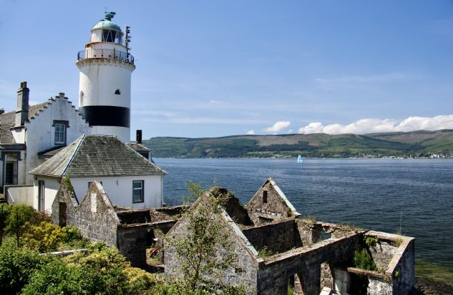 Elvia Worrall | Cloch Point Lighthouse