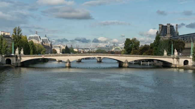 Lynn Bolt | Paris Bridges