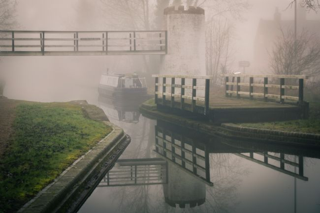 Warren Byrne | Fazeley Canal in the Mist
